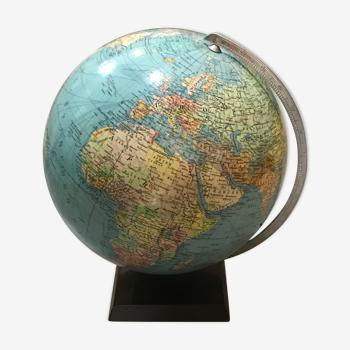 Ancien globe terrestre