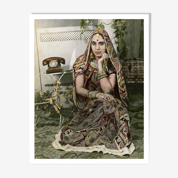 Femme au téléphone photographie portrait peint Rajasthan années 60