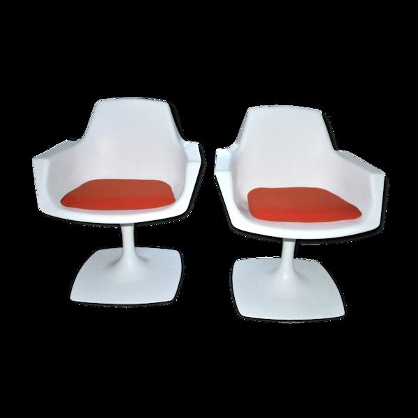 Paire de fauteuils pivotants par Stamp Nurieux