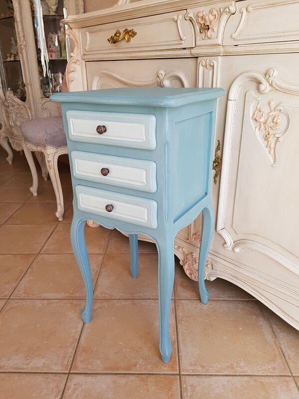 Chevet peint bleu