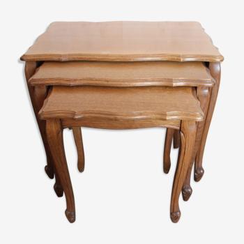 Tables gigognes façon Louis XV en chêne