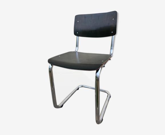 Chaise Allemande pour Ahrend inspirée de la THONET s63 de M.Breuer.