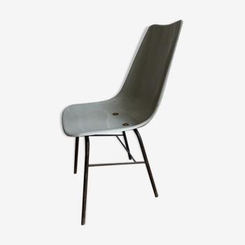 Chaise industrielle grise en coque ABS
