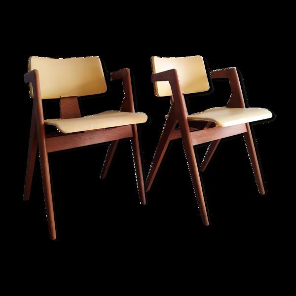 Ensemble de 2 fauteuils Hillestak jaune par Robin Day