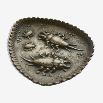 Empty scarab pocket