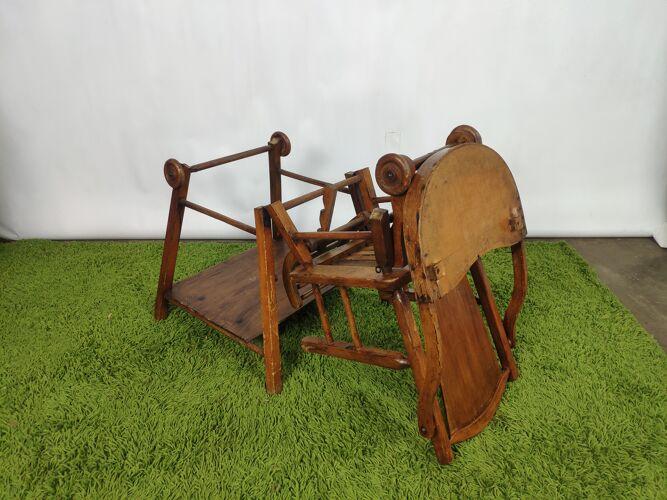 Chaise haute vintage en bois