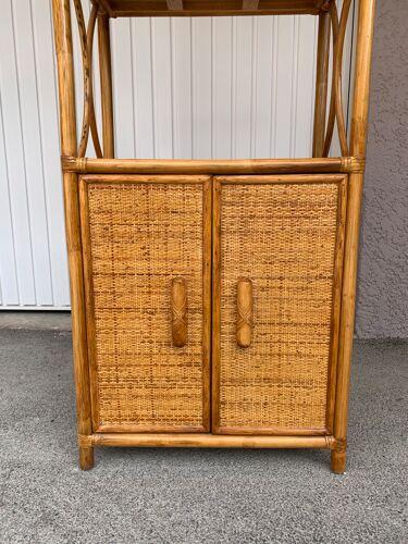 Meuble étagère en rotin et bambou