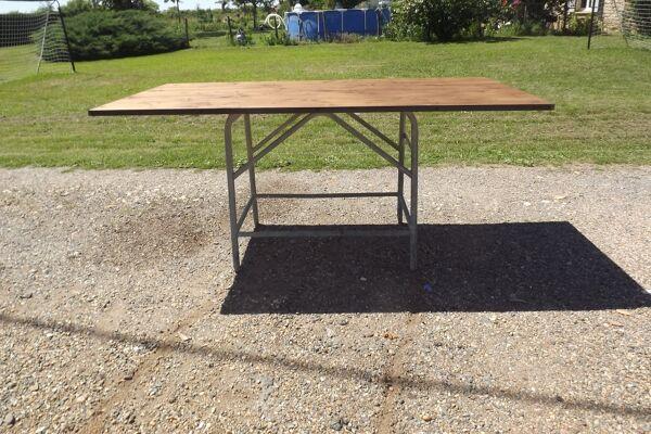 Table industrielle fer et bois