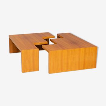 Table basse trapèze carrée en bois des années 90 attr Leolux