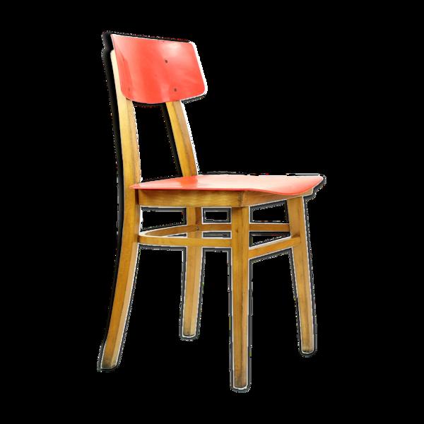 Chaise milieu du siècle en bois rouge et hêtre, Tchécoslovaquie circa 1960