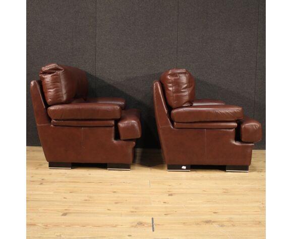 Paire de fauteuils en cuir italien