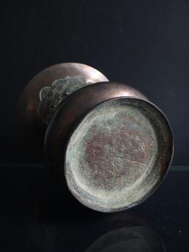 Ancien vase balustre chinois bronze cornet immortels Chine XIX