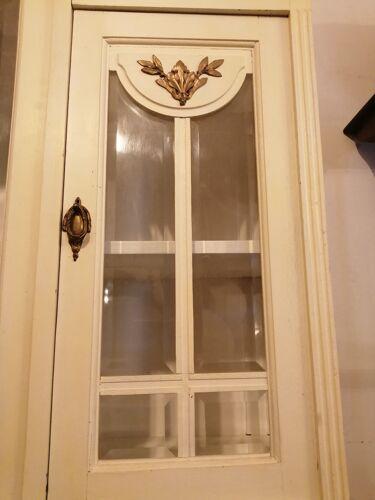 Buffet deux corps vitré style art nouveau
