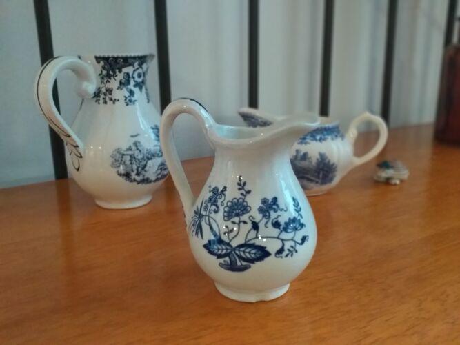 Lunéville porcelain milk pot