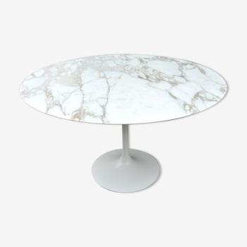 Table à manger Eero Saarinen, édition Knoll international
