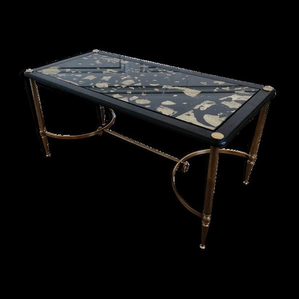 Table basse à piètement néo classique en laiton
