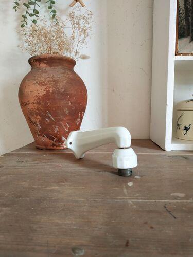 Applique Art déco en porcelaine