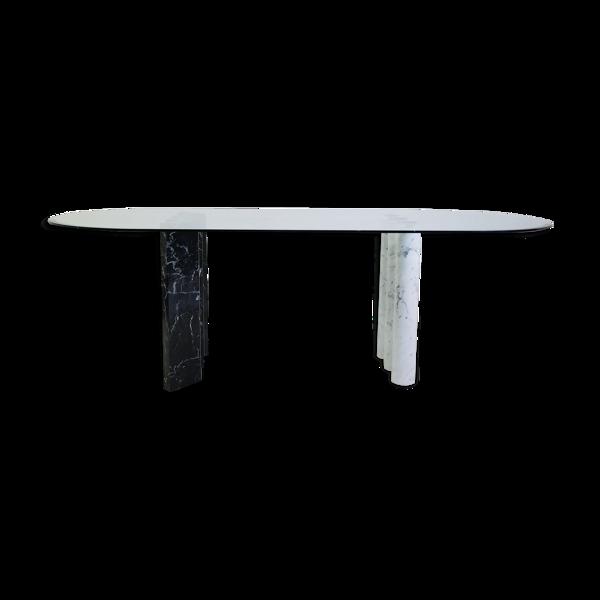 Tables de salle à manger en marbre et verre noir et blanc