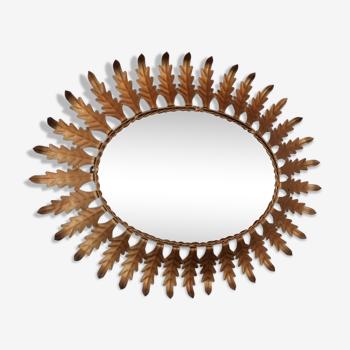 Miroir ovale de sunburst avec des feuilles d'acanthus 1960s