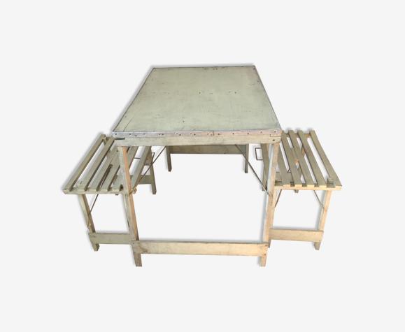 Table de piquenique et deux sièges pliants