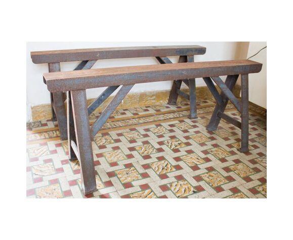 Table en bois à tréteau