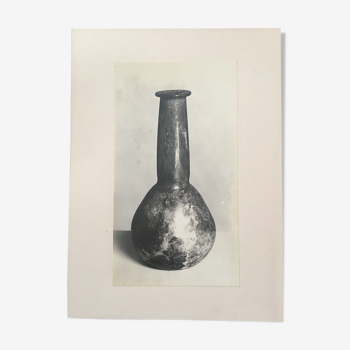 Old print of a ceramic