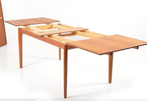 Table à manger en teck par Henning Kjaernulf