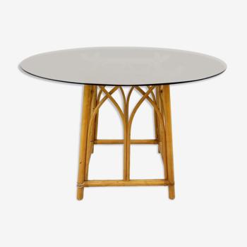 Table de salle à manger ronde en bambou avec plateau en verre fumé 1970s