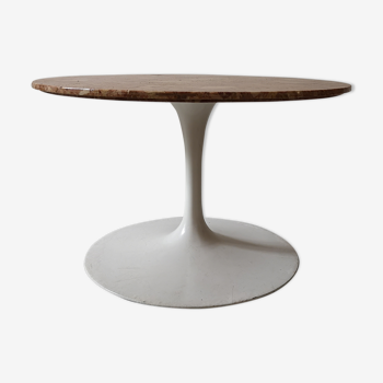 Marble tulip coffee table