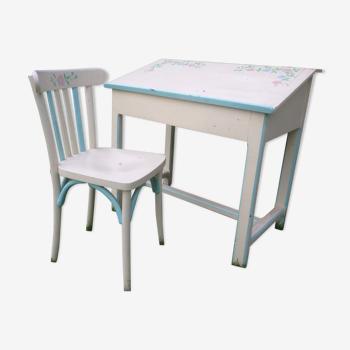 Bureau pupitre d'écolier peint en blanc avec sa chaise du début du XXe