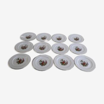 12 assiettes en faïence de Gien motif scènes galantes diam 20 cm