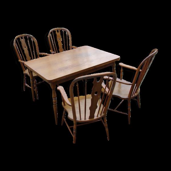 Table avec quatre chaises Windsor, années 1970