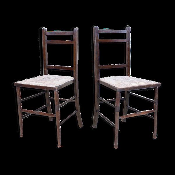 Paire de chaises antiques