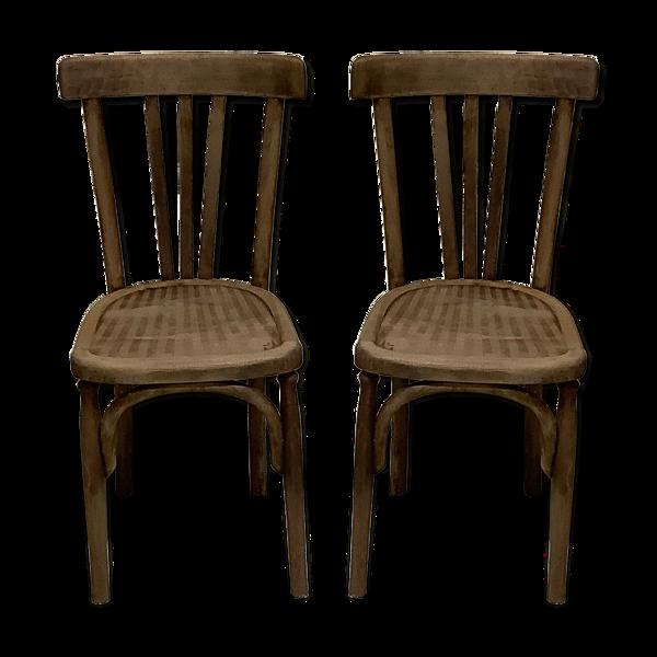 Deux chaises de bistrot