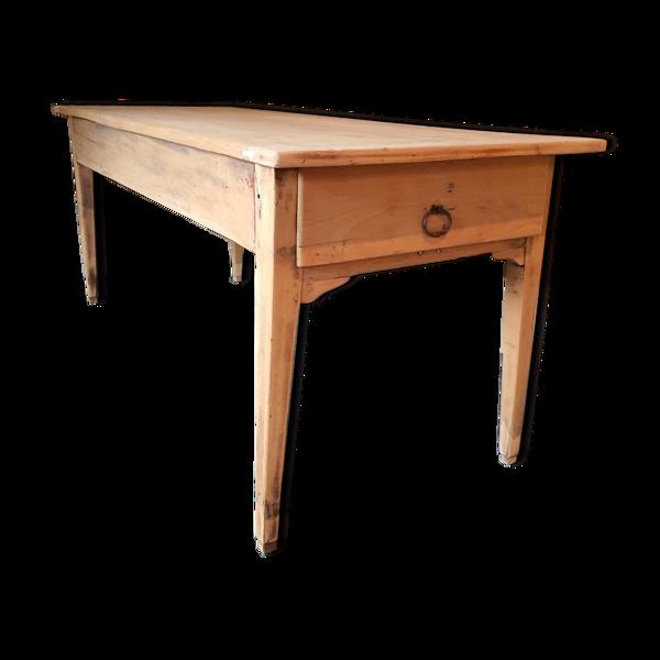 Table de ferme rénovée