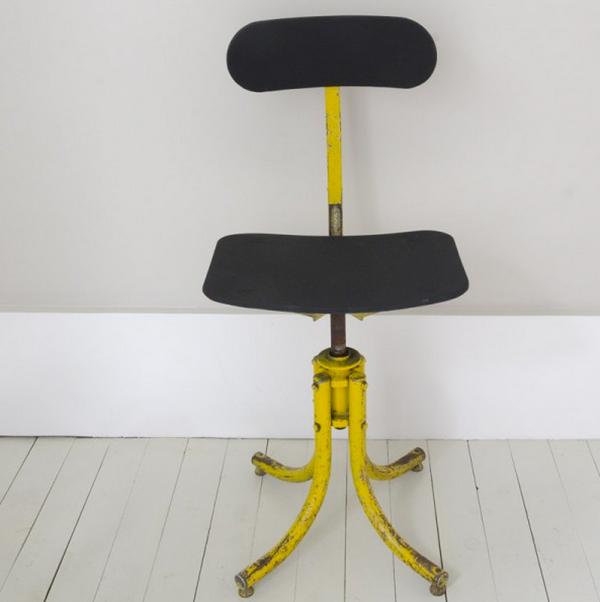 Chaise biénaise