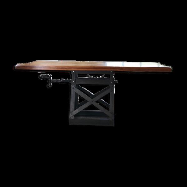 Table industrielle riveté