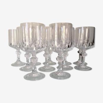 Set de 10 verres à vin en cristal taillé