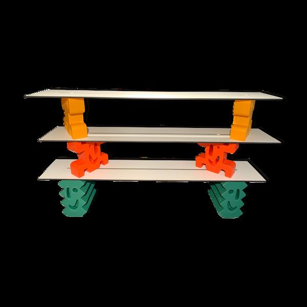 Système d'étagères Le Ladrillos par Javier Mariscal