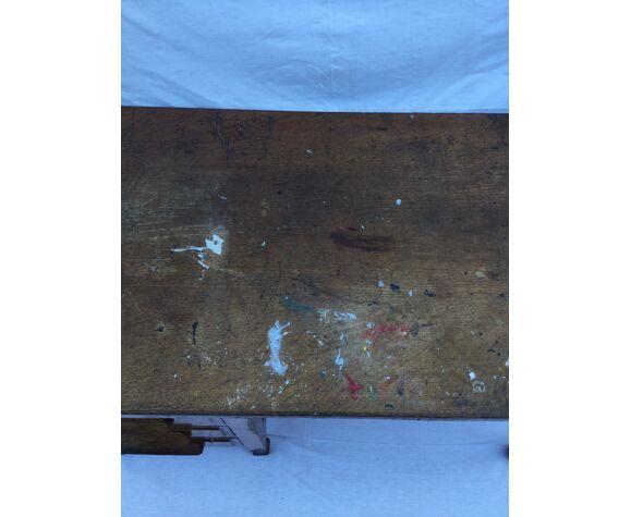 Bureau en bois à trois tiroirs
