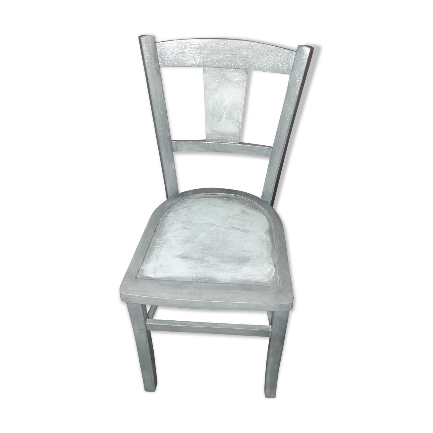 Chaise en bois patiné