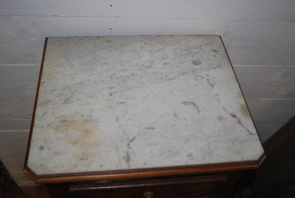 Table de chevet en acajou