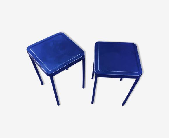 Lot de deux tabourets en metal bleus
