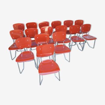 Lot de 16 chaises empilables Aluflex par Armin Wirth, Ph. Zieringer Suisse