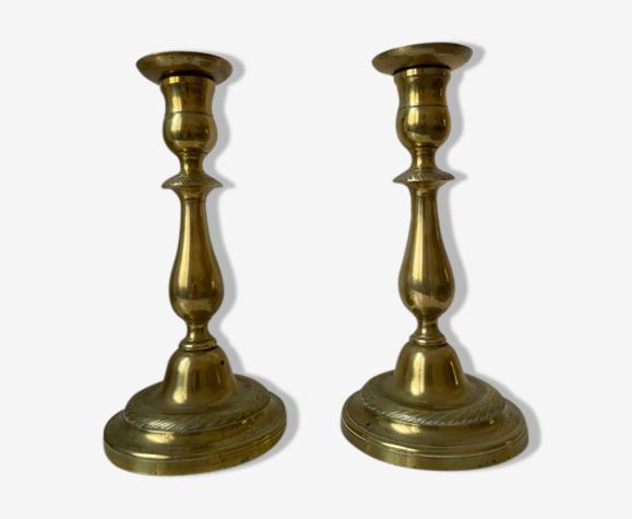 Paire de bougeoirs en bronze XIXème siècle.