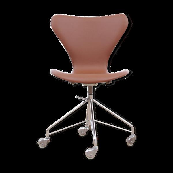 Chaise de bureau modèle 3117 par Arne Jacobsen pour Fritz Hansen 1969