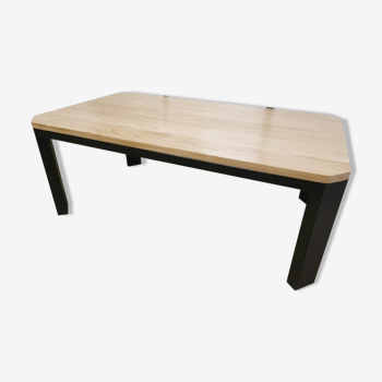 Table basse en acier et bois