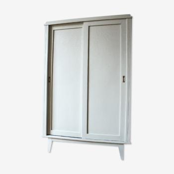 Armoire ancienne porte coulissante rénovée par Trendy Little