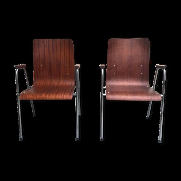 Chaises avec accoudoir en bois multipli