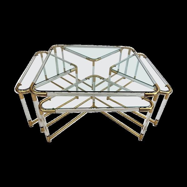 Selency Table basse et ses 4 tables gigognes associées en plexiglas et métal doré